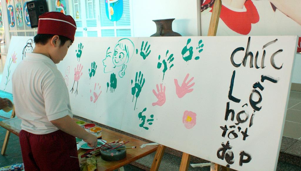 """""""Let Colour Speak&rdquo - sân chơi hấp dẫn của các họa sĩ nhí"""