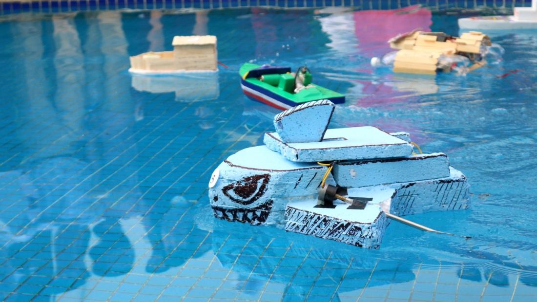 Độc, lạ cuộc đua thuyền tự chế đúng chất Quốc tế Á Châu