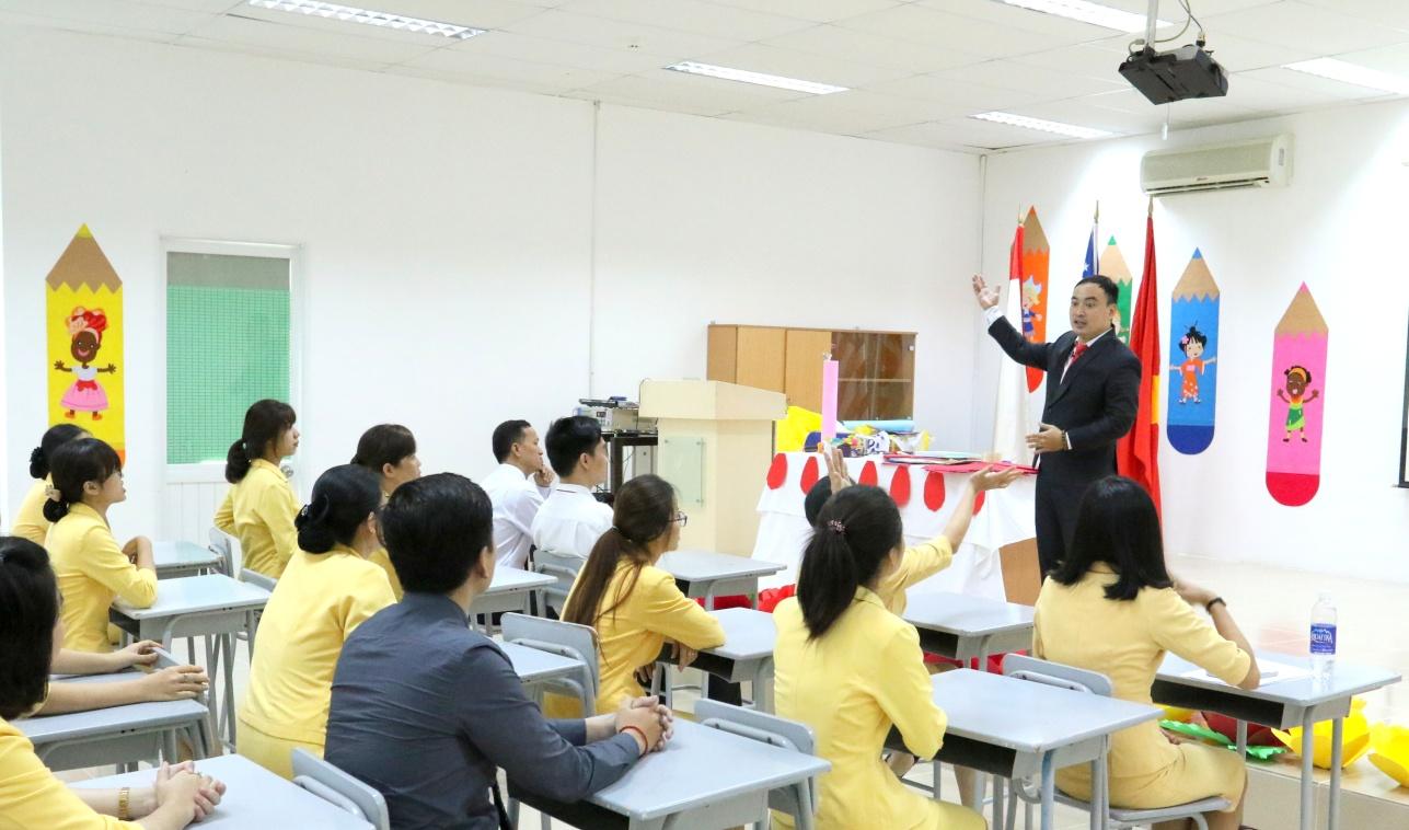 Hàng ngàn học sinh Quốc tế Á Châu vui Trung thu ấm áp, rực rỡ sắc màu