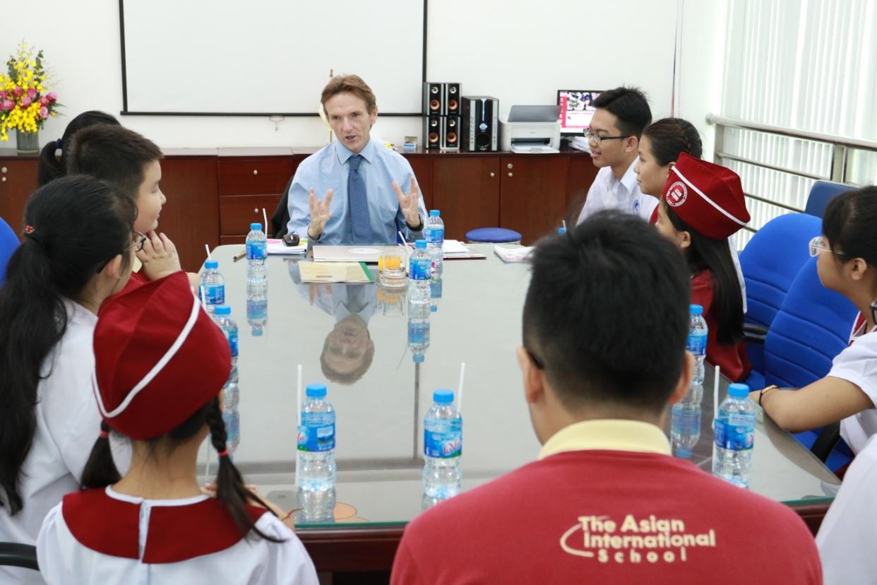 Trường Quốc tế Á Châu chào đón đại diện CIS sang thăm và làm việc năm học 2018-2019