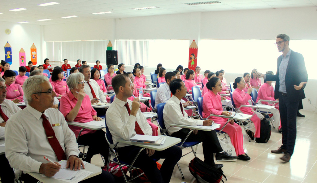 Đưa giáo trình Maths (NXB Macmillan) vào giảng dạy chương trình quốc tế