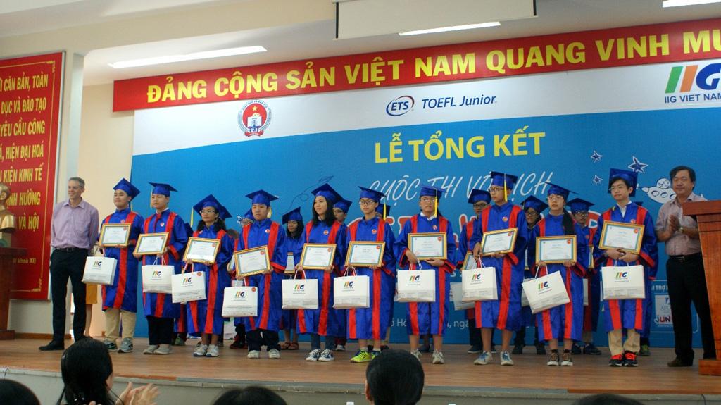 """Trường Quốc tế Á Châu đạt thành tích xuất sắc trong cuộc thi """"Vô địch TOEFL Junior 2014"""""""